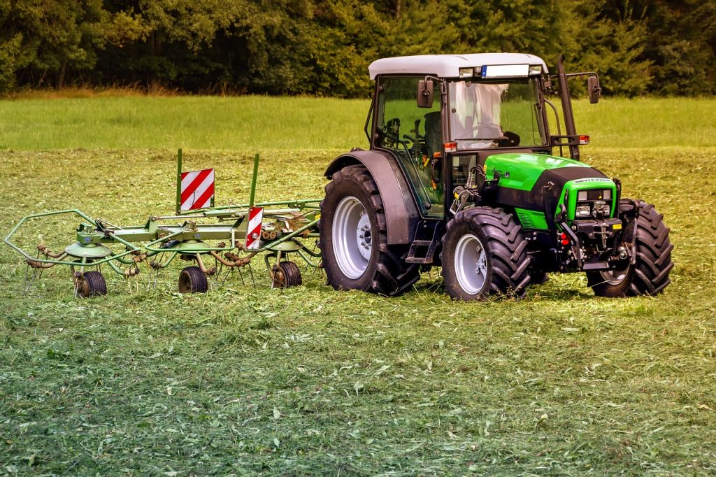 tractor-3571452_1280